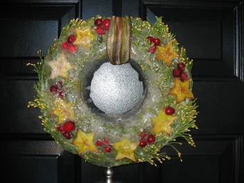 Ice Wreath Decor Idea