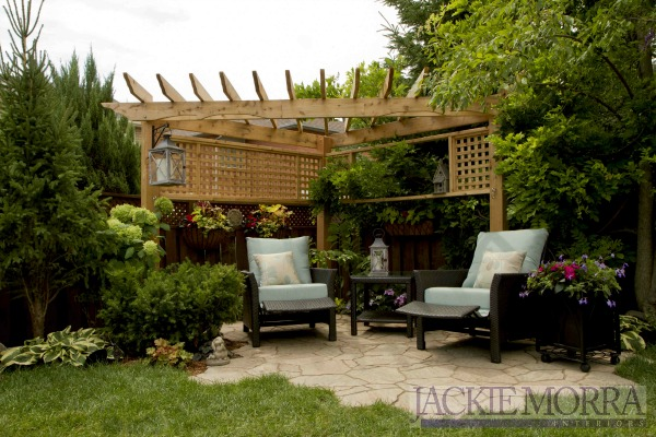 pergola-design-for-small-backyard-makeover